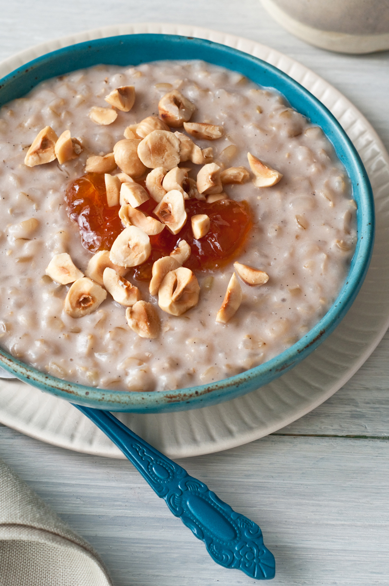 almond milk brown rice pudding with nuts