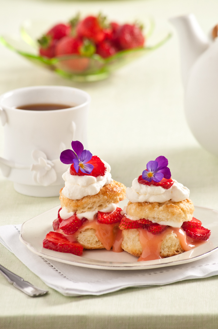 strawberry shortcakes with strawberry curd