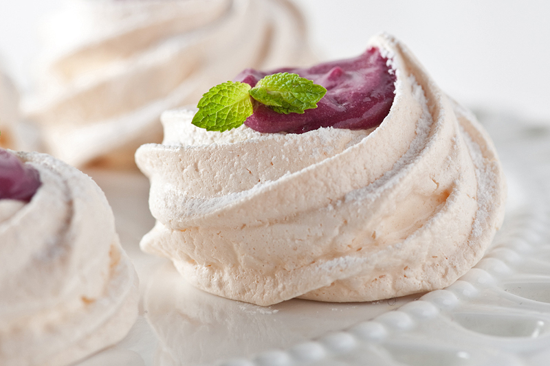 meringue kisses filled with blueberry curd