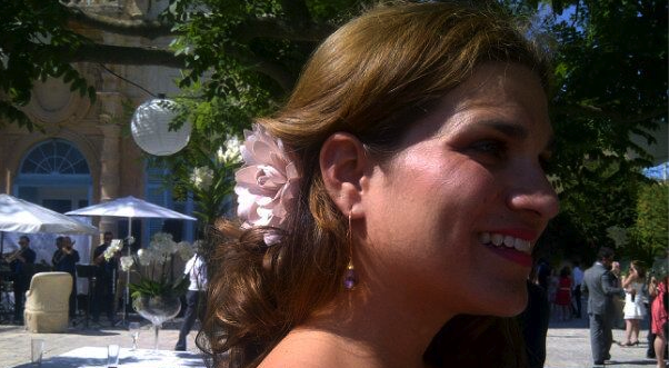 Elaine wearing the BECK stardust earring in Malta