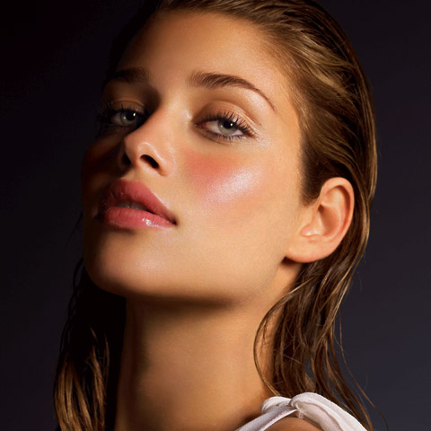 Perfect Summer Makeup: Anna Beatriz Barros