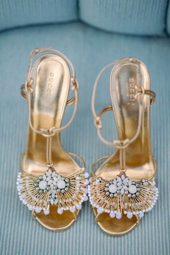 Perfect summer heel.. goes with every sundress and the gold makes your legs looks tanned!