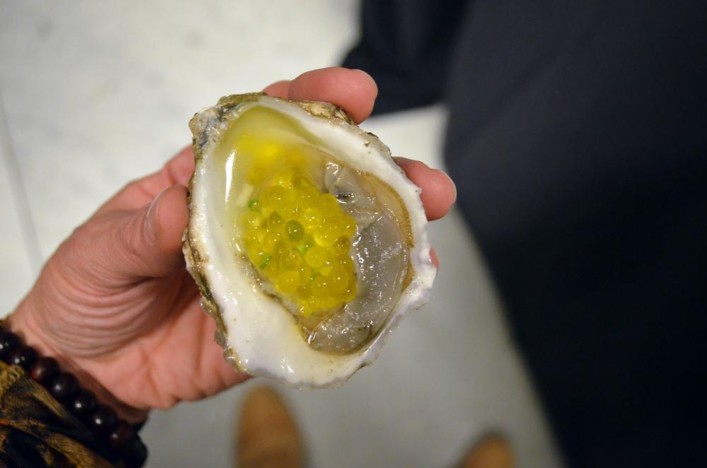 Jewel Restaurant: Oysters with Mango Caviar