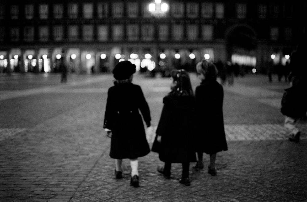 spanish girls.jpg