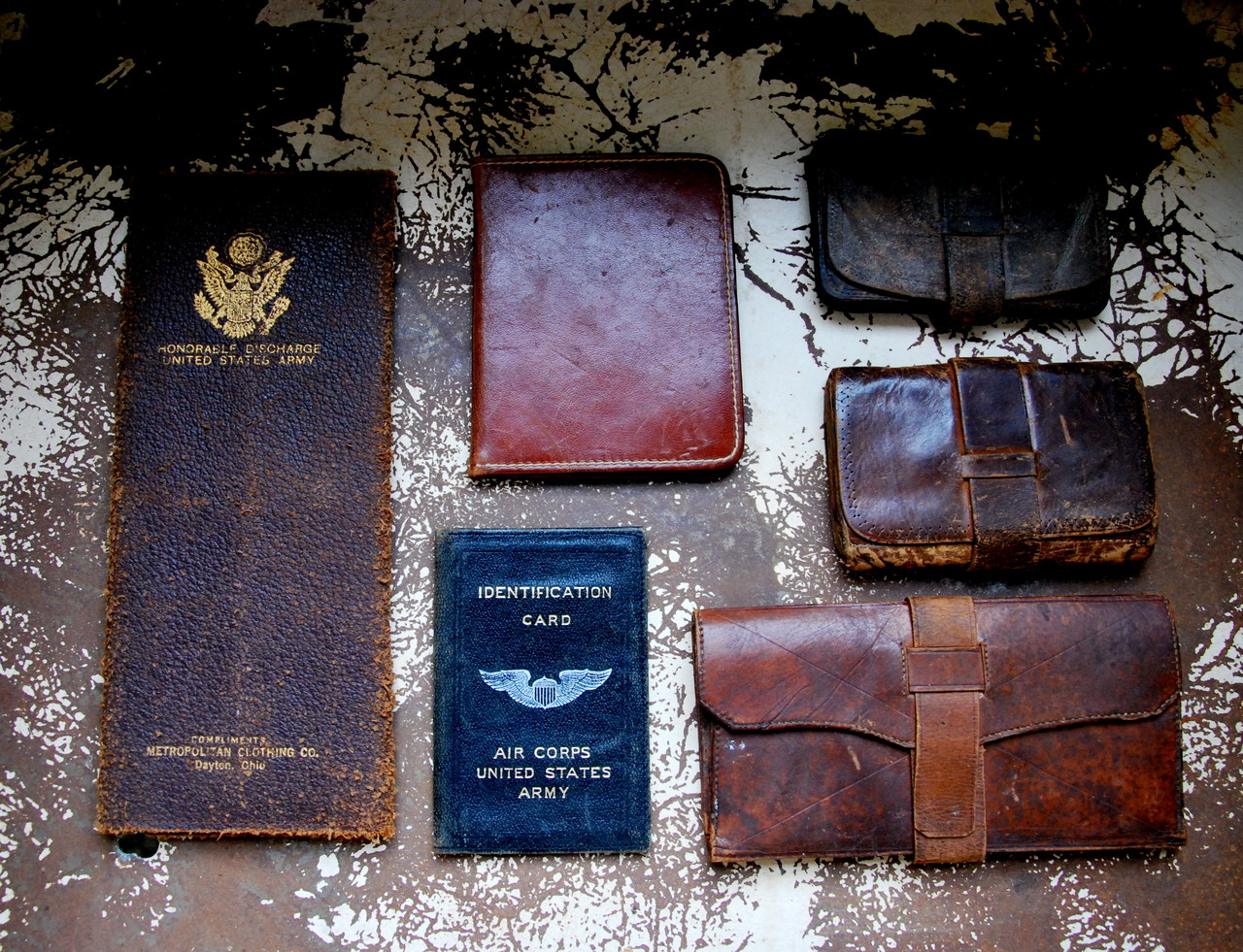 falerbrand: Civil War and WWII era wallets and cases.