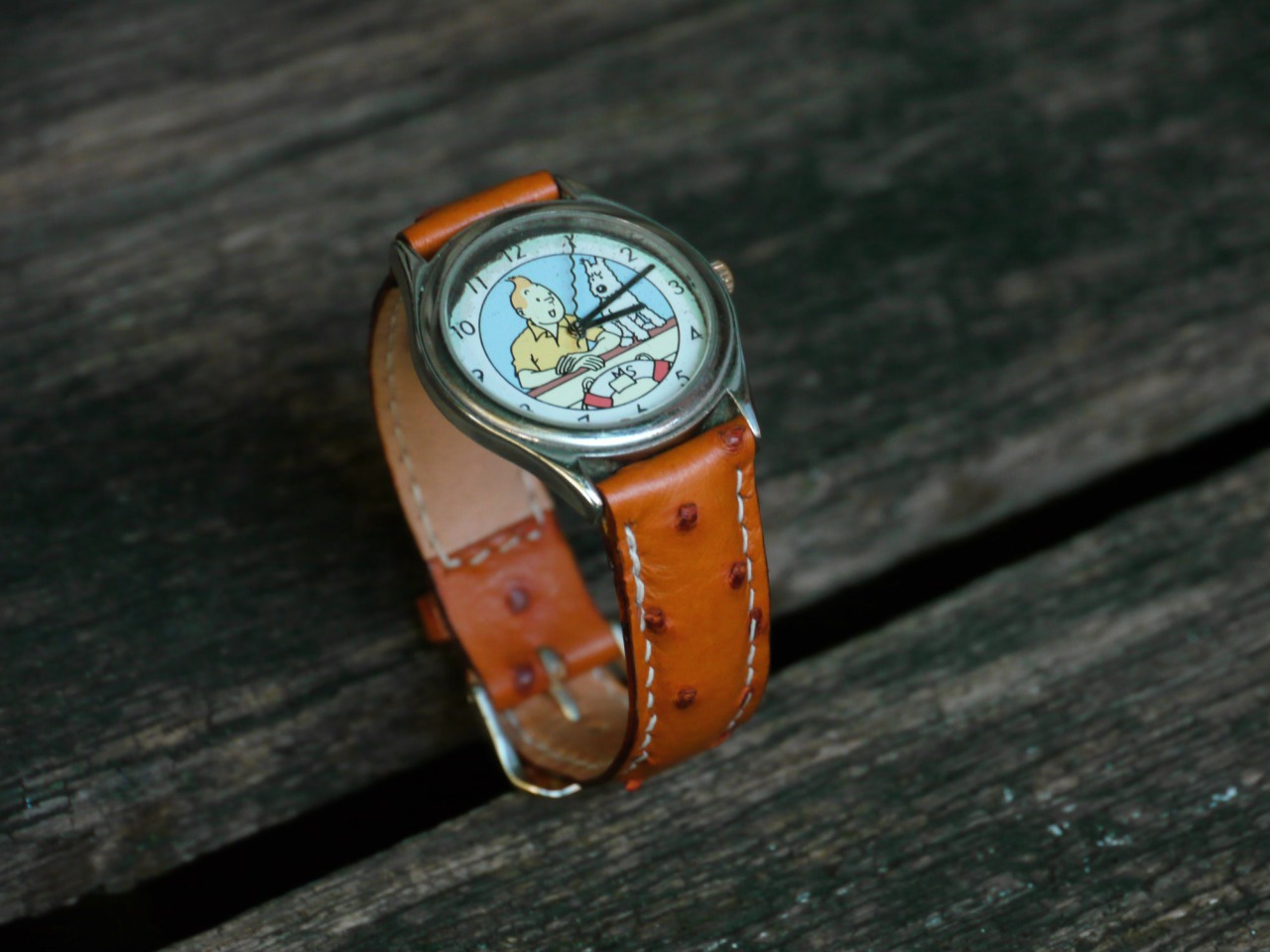 Les adventures de Tintin watch with an Ostrich strap