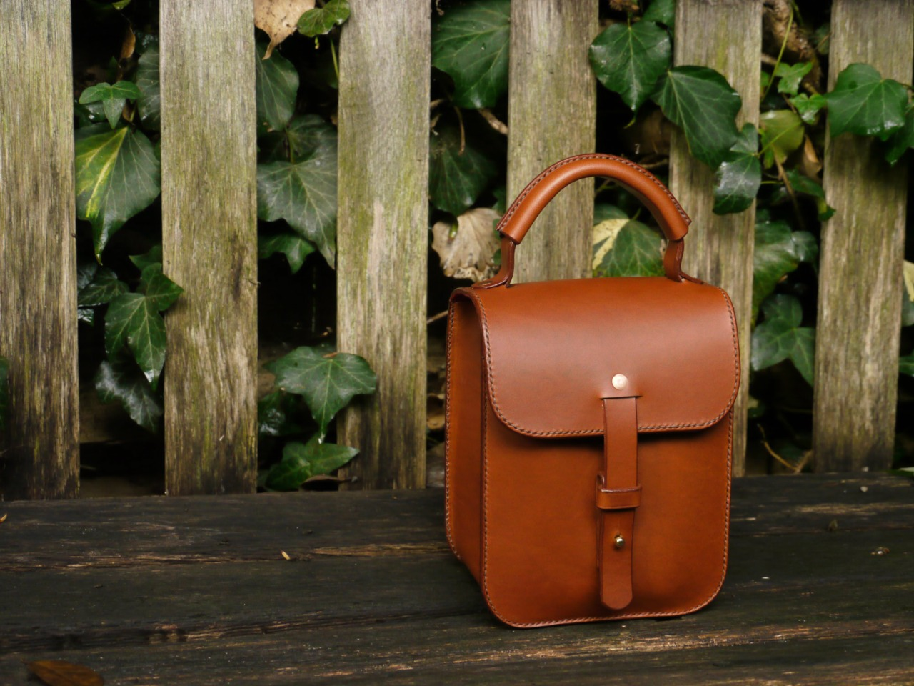 Meg's barell style bag | fully lined with scarlet suede