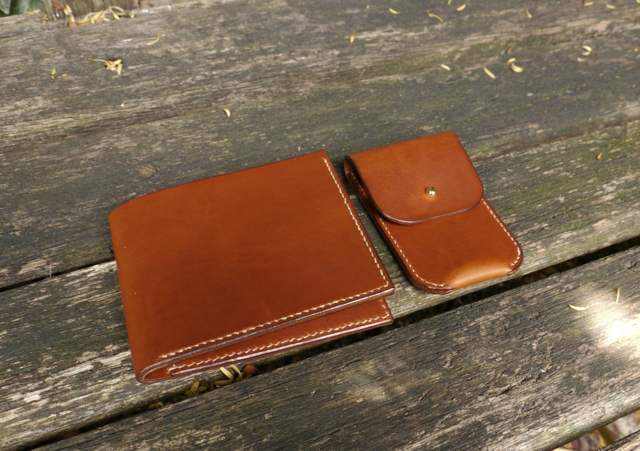 Gentleman set for Daniel, Billfold Wallet + Coin Purse, both sewn with French Linen ( Fil De Lin )  http://mesleather.com/shop/
