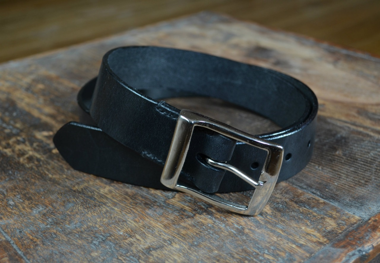 Vegetable tanned bridle leather belt in black / leather comes from J & FJ Baker tannery in Devon,UK. This weekend i will make another two -  father's day round the corner, so first come, first served. order at mes.leather@gmail.com