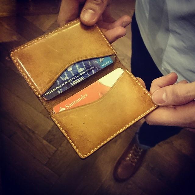 Wayne's card holder #leathercardholder #vegtanpatina #leathergoodslondon #handstitchedwallet #mesleather #handmadeleathergoodslondon #leatherartisanlondon #mesleather #mesleatherlondon #workwear #ruggedwear #vintage #redwings #rawdenim #Levi's