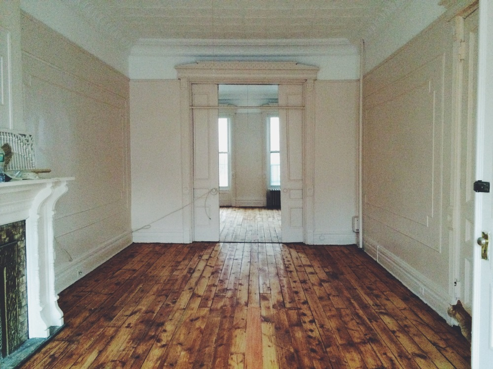 Large bedroom room on parlor floor