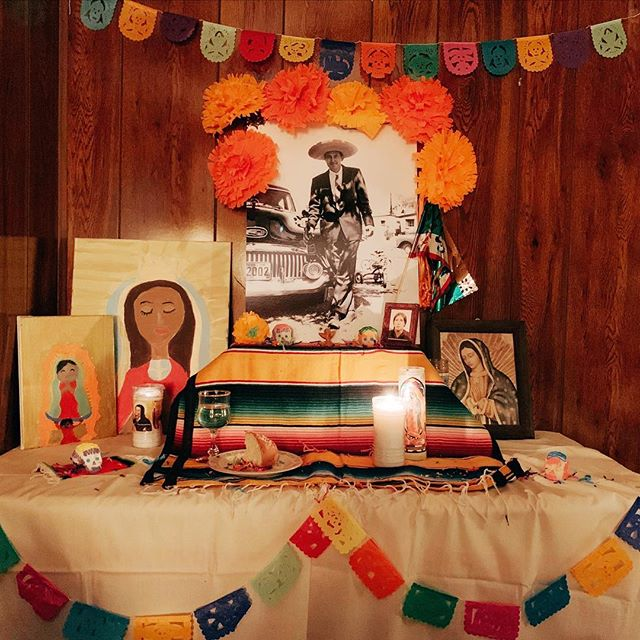 Our first ofrenda ♥️
