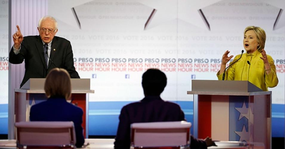 Bernie Sanders and Hillary Clinton debate in Milwaukee on Thursday, February 11. (Photo: AP)