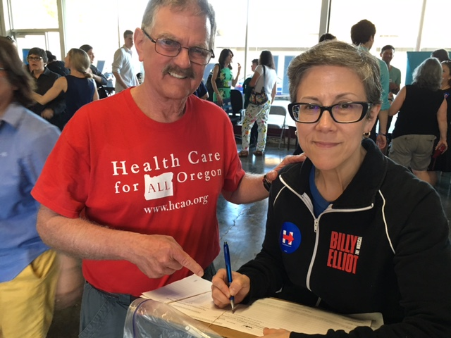 Cliff Goldman collecting signatures for A Better Oregon at a rally for Hilary Clinton. HCAO has been recognized by Better Oregon as a Solid Gold Community Partner for our strong signature gathering on the IP 28 campaign.