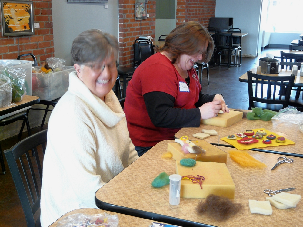 Chris Lange teaching the Felting Workshop