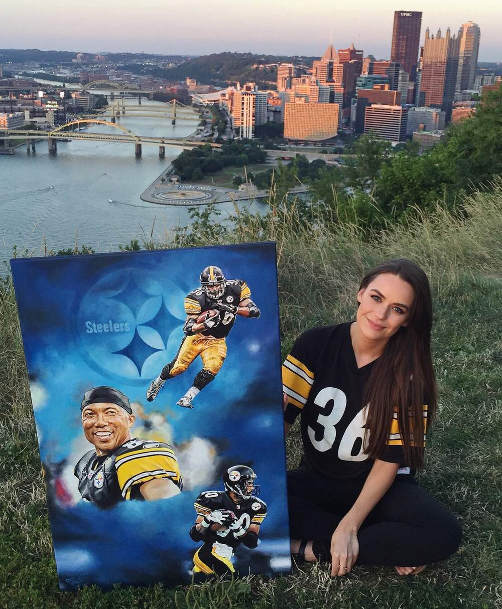 "Kait with painting "" Blue Steel"" on Pittsburgh's  Mt. Washington Overlook"