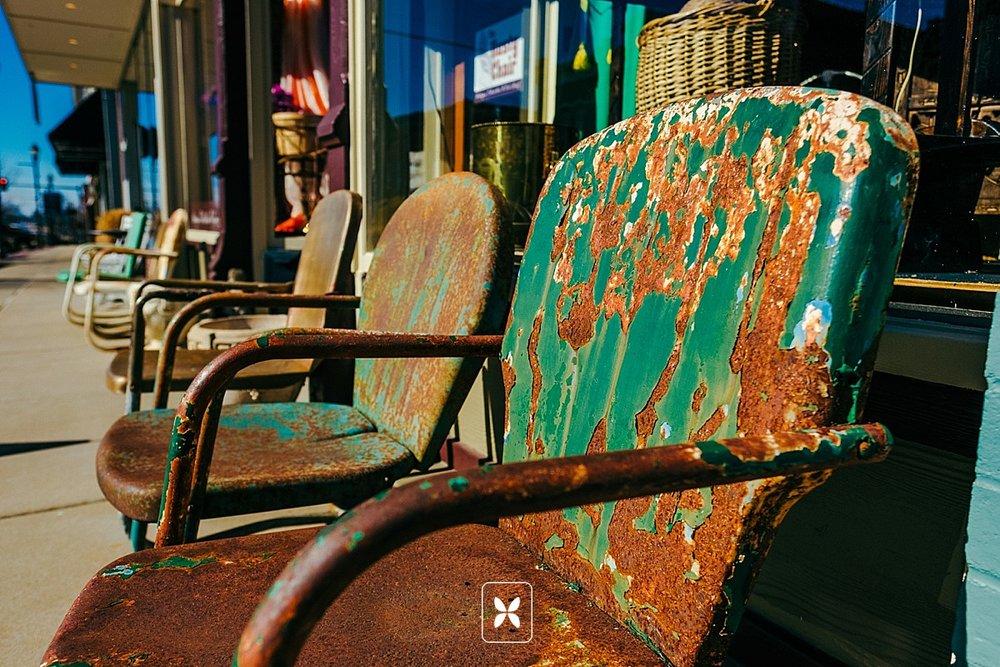 novo_studio_rusty_chair_downtown_Rogers_0054.jpg