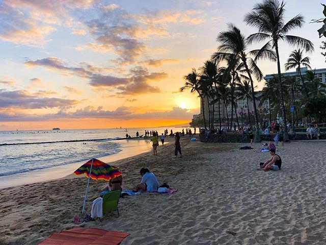 My last Hawaiian sunset… till next time • #Hawaii #Oahu . . #shotoniphone #iphonex #sunset #beach #waikiki #waves #sand #palmtrees