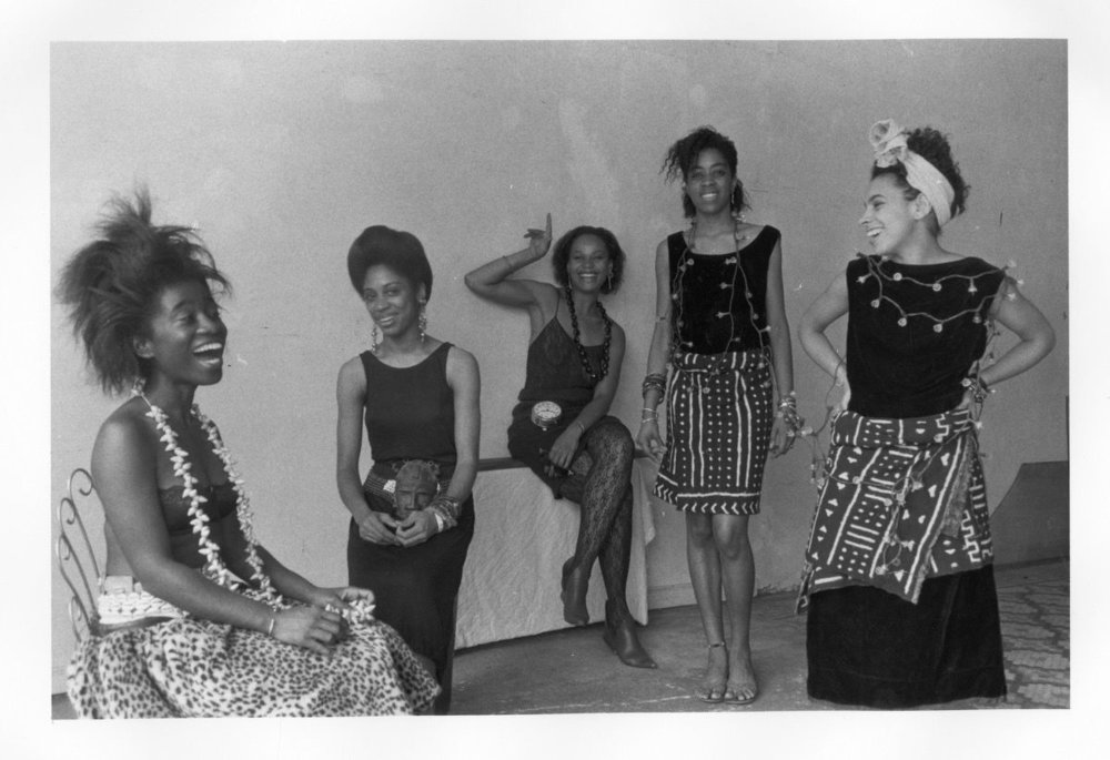 photo: Lorna Simpson, candid. Courtesy of the Brooklyn Museum - https://www.artsy.net/article/artsy-editorial-overlooked-black-women-altered-course-feminist-art
