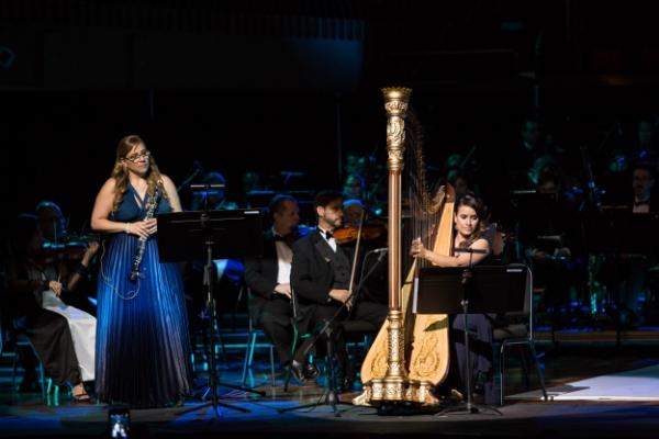 Junto a la oboista Frances Colón y la Orquesta Filarmónica de Puerto Rico. Fotos por Giován Cordero.