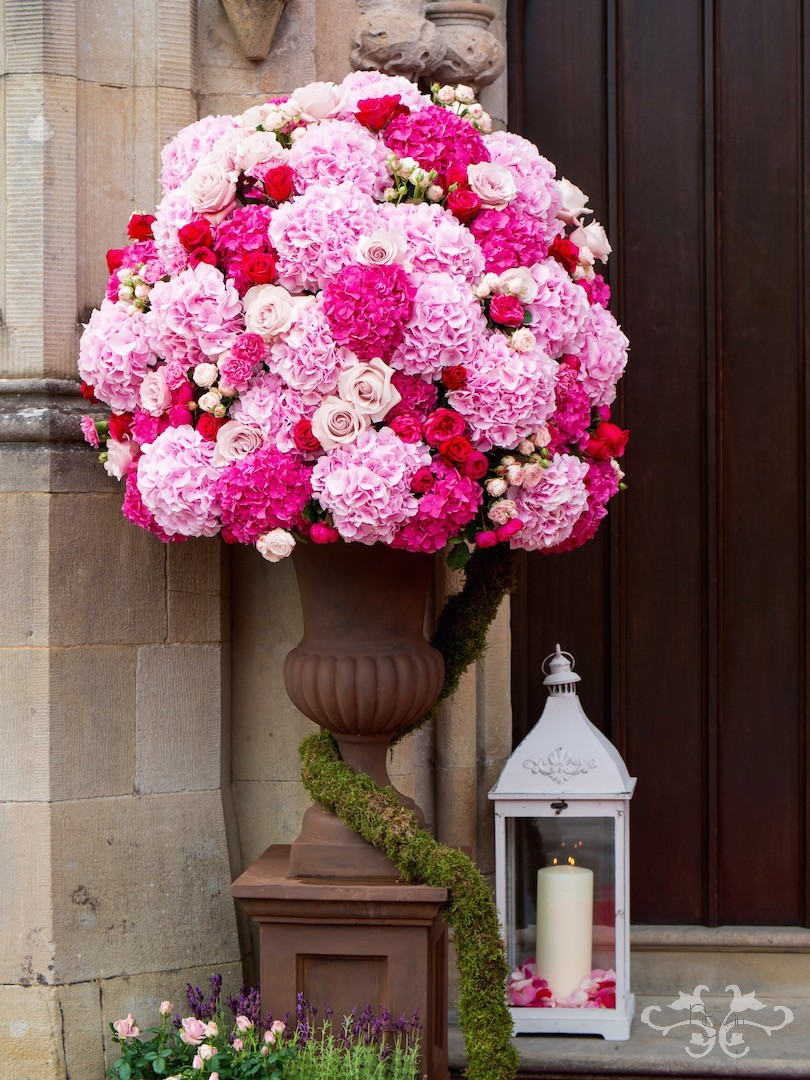 Opulent urn arrangement for the Castle entrance