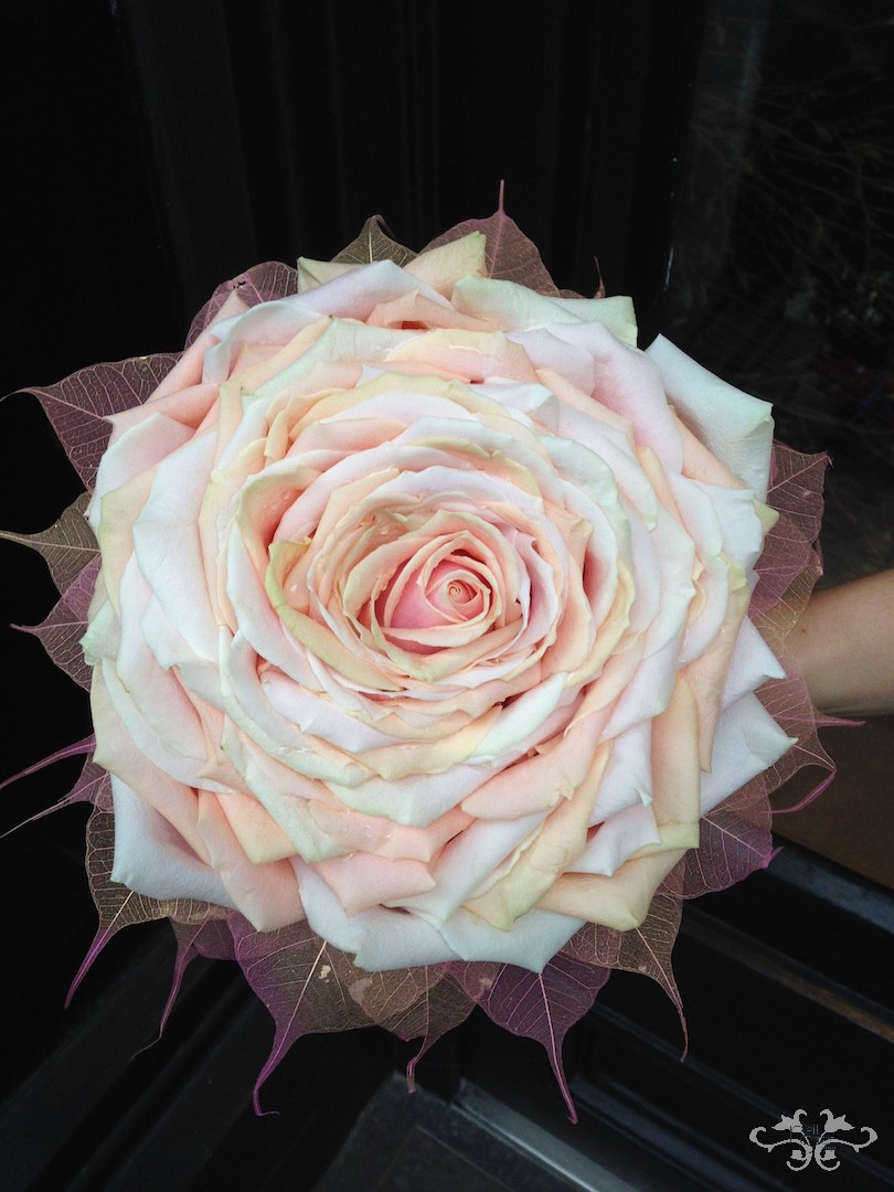 rose glamelia bouquet.JPG