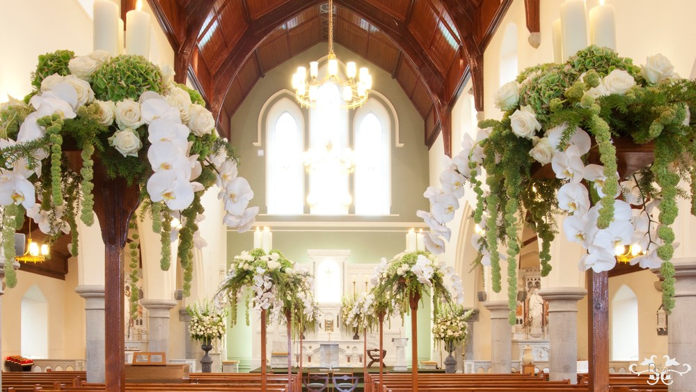 Creating fabulous floral decorations for a church wedding neill a perfect balance of elegance opulence romance and beauty junglespirit Image collections