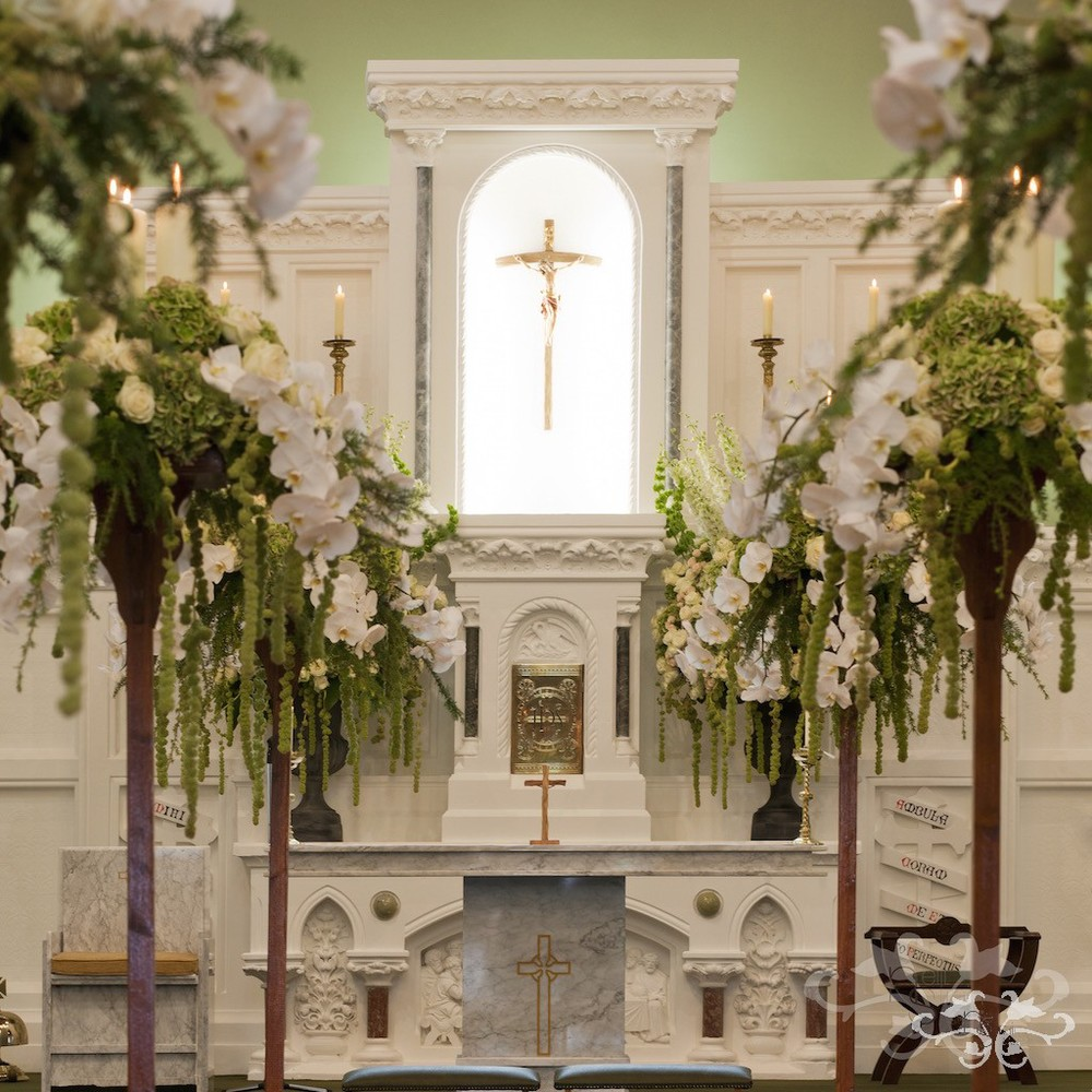 Church Flowers Wedding: Creating Fabulous Floral Decorations For A Church Wedding