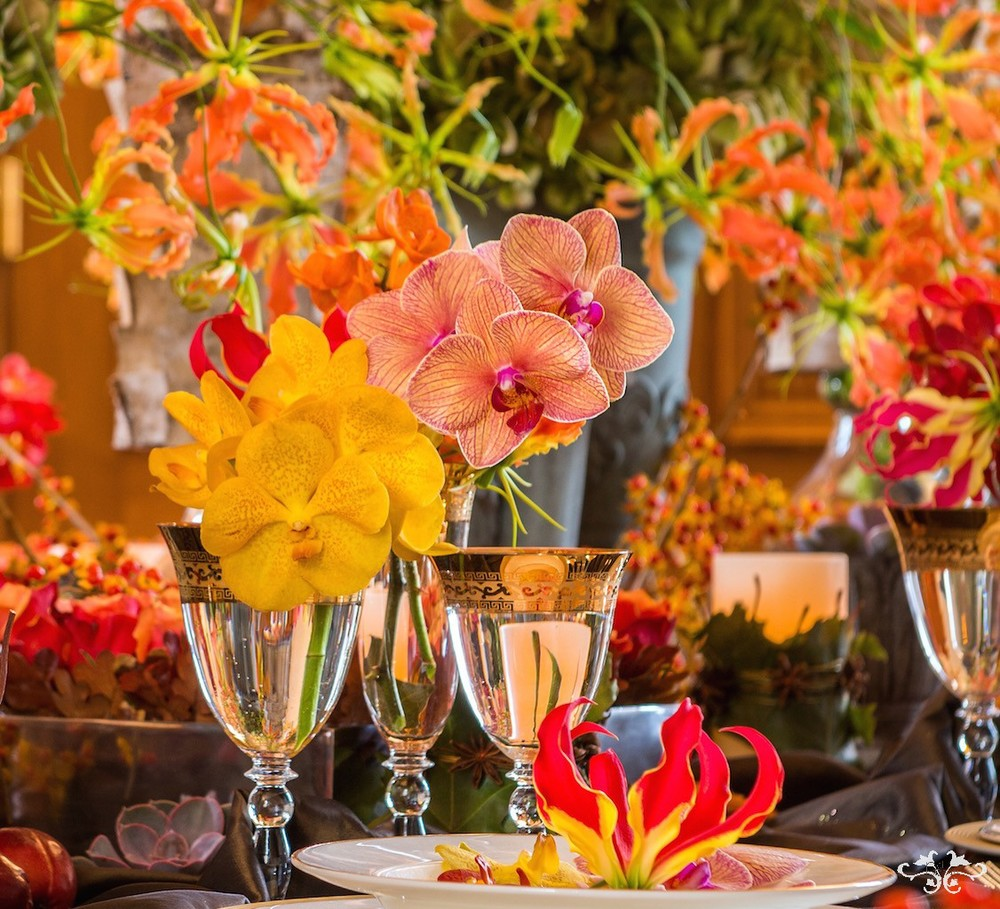 luxury table flowers by Neill Strain.jpg