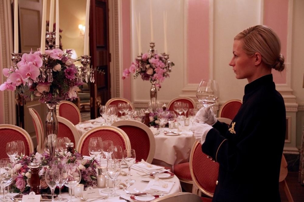 elegant wedding reception flowers