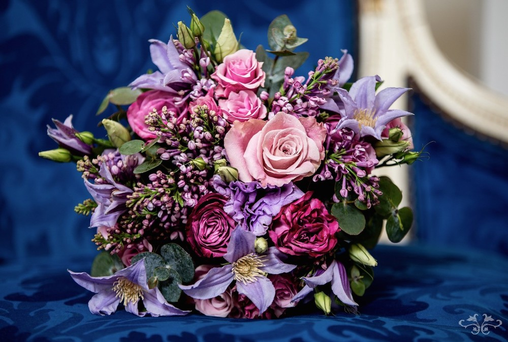 Neill Strain is renowned for the diversity of his bridal bouquets ranging from Posy to Cascading and Cone to Basket Bouquets