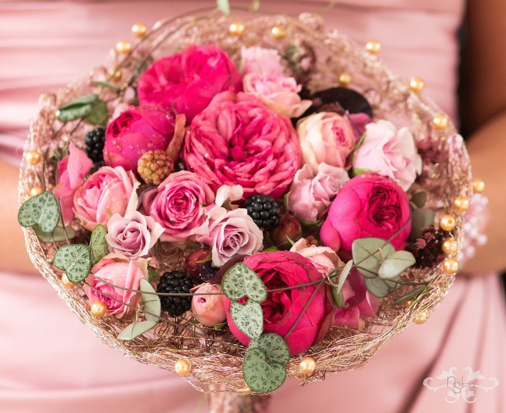 luxury pink bridal bouquets.jpg