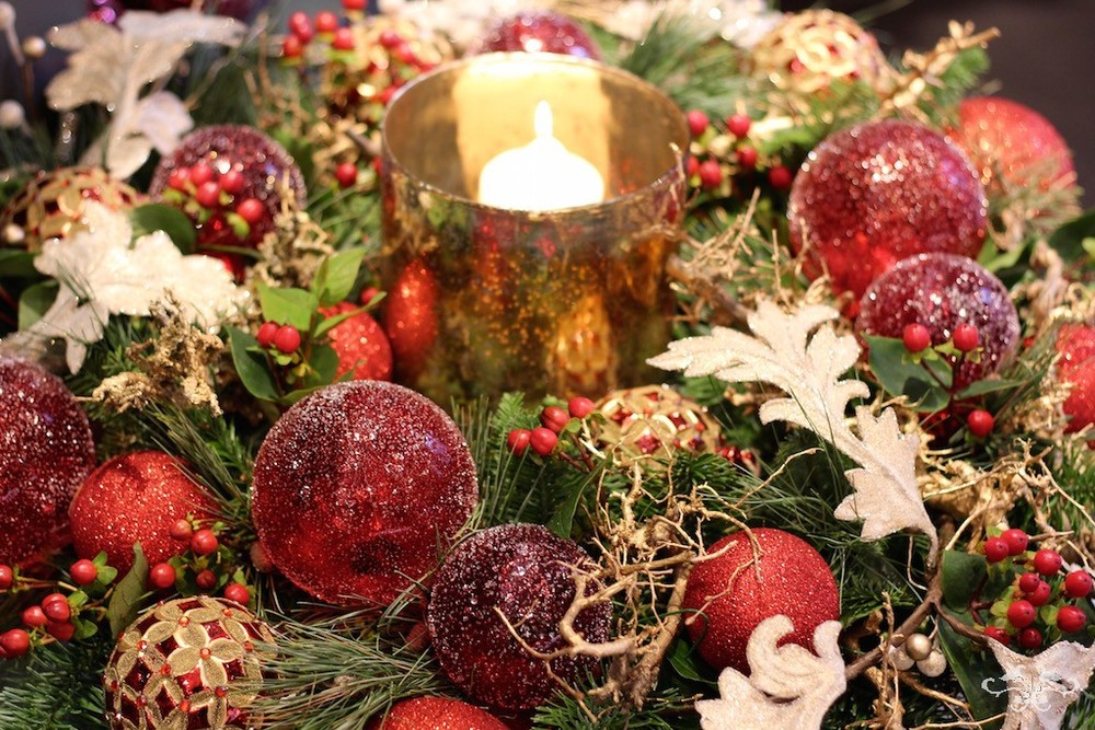 Red, gold and green remains a favourite colour theme for Christmas