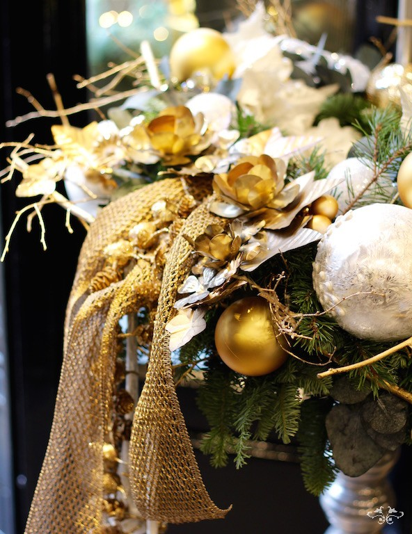 Neill Strain gold white wreath.jpg