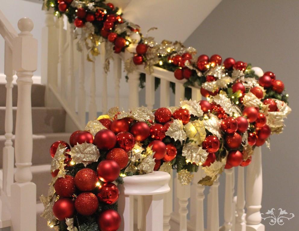 Neill Strain Christmas garland Belgravia.jpg