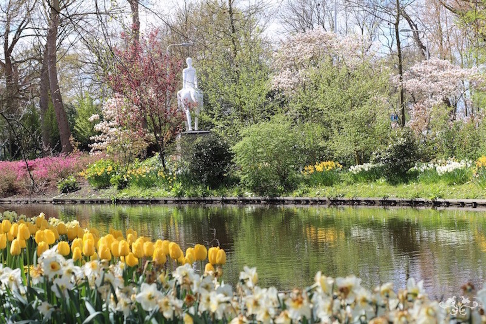 The Keukenhof Gardens are an inspiration for a floral designer working with spring flowers