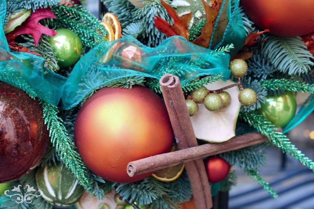 Neill Strain bespoke Christmas decorations Belgravia