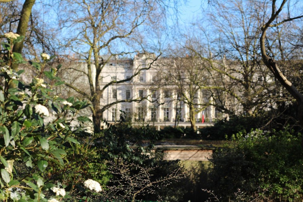 The elegant architecture of Belgravia is accentuated by its magnificent Garden Squares.