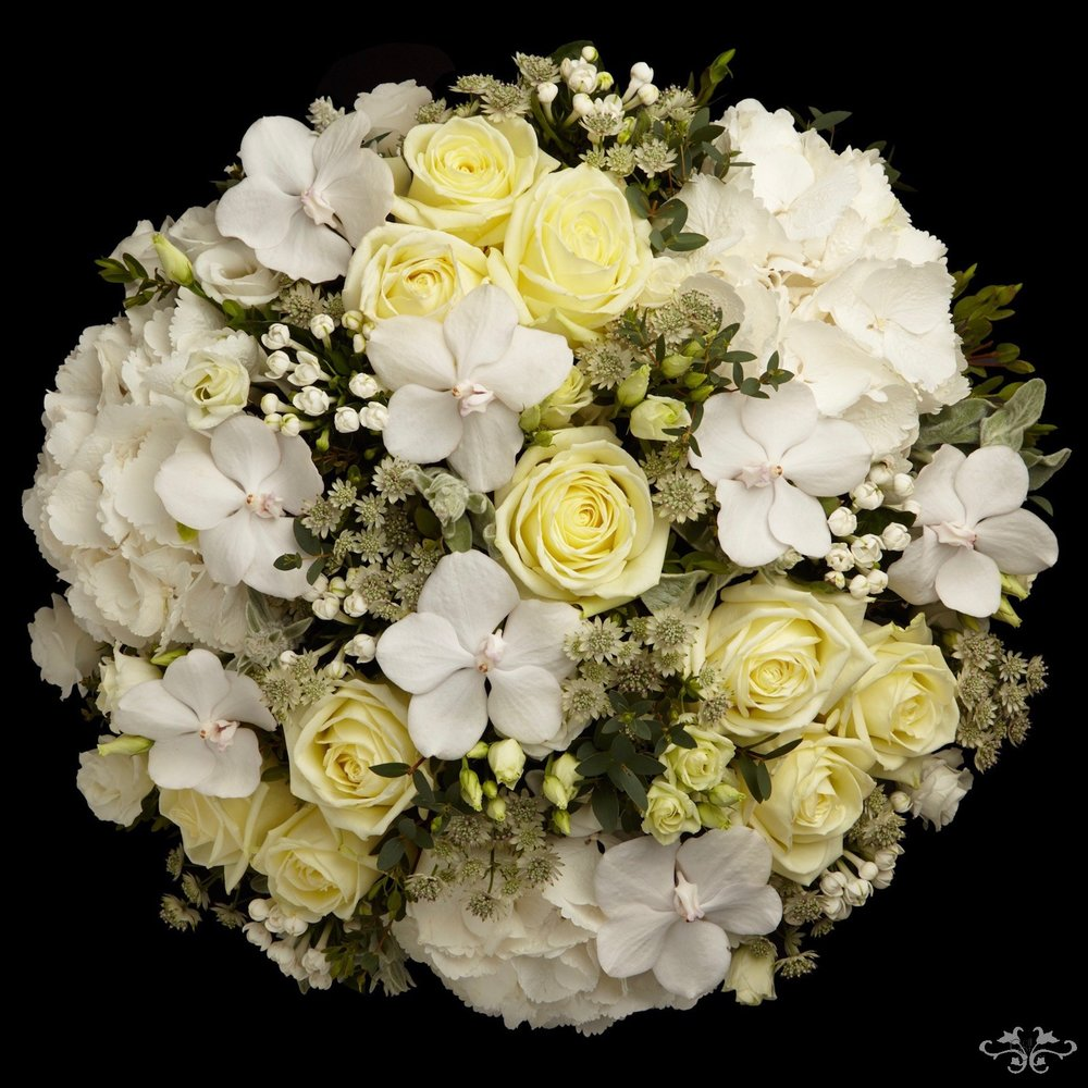 Summer White bouquet by Neill Strain Belgravia