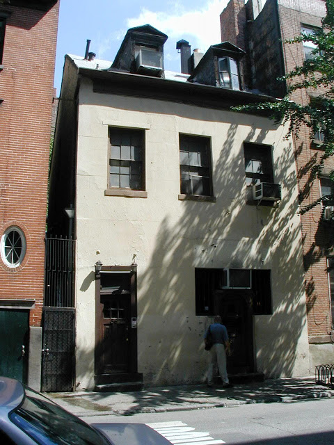 86 Bedford Street, home of Chumley's, pre-2007