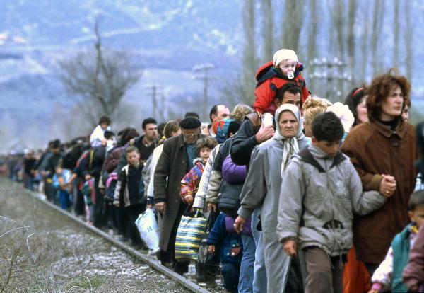 Refugees fleeing Kosovo in 1999 | Photo credit: UN Photo/R. LeMoyne