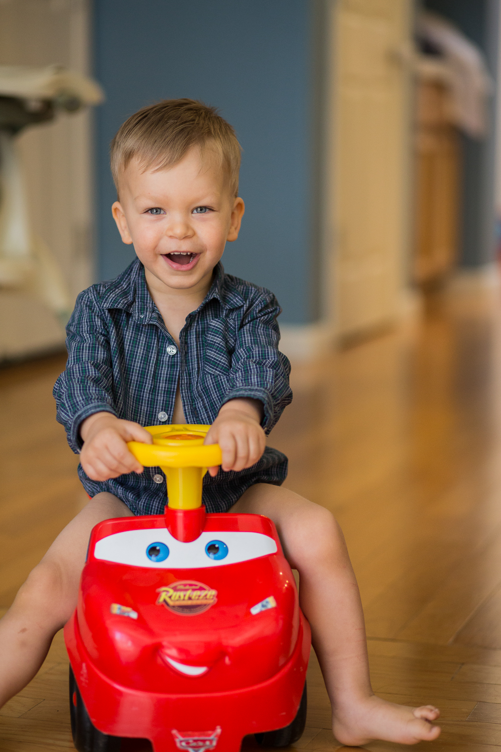 Lightning McQueen racer car toddler lixxim photography sacramento kids.jpg
