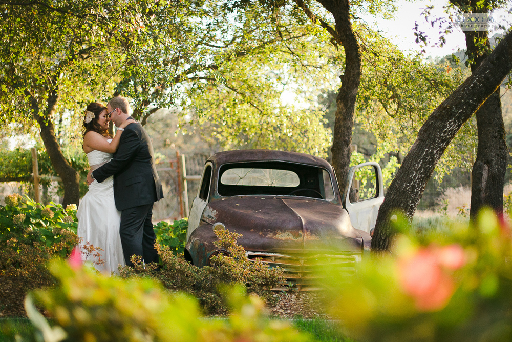 willow-creek-events-wedding-photography-lixxim-old-truck-sunset