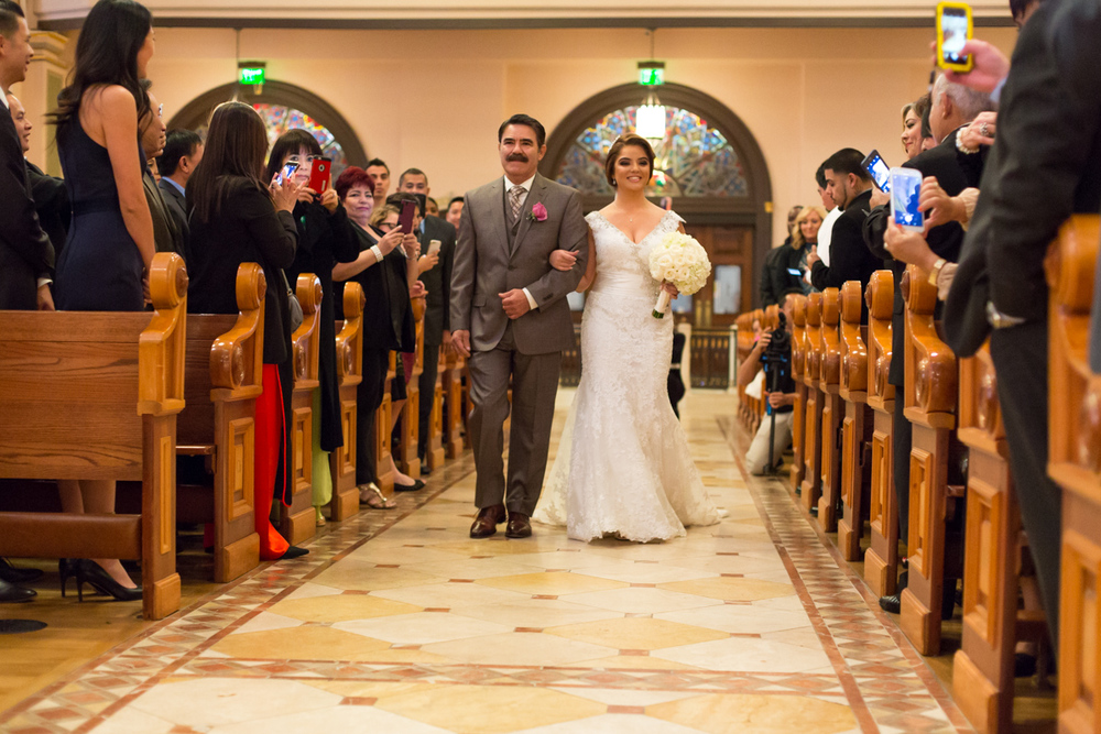 wedding-blessed-sacrament-cathedral-downtown-k-street-mall-12.jpg