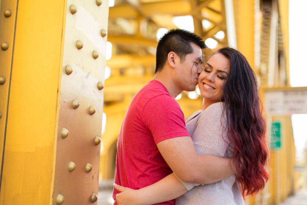 sacramento tower bridge engagement photogaphy