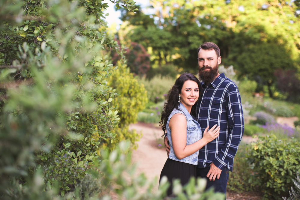 uc-davis-arboretum-engagement-session-lixxim-photography-4.jpg