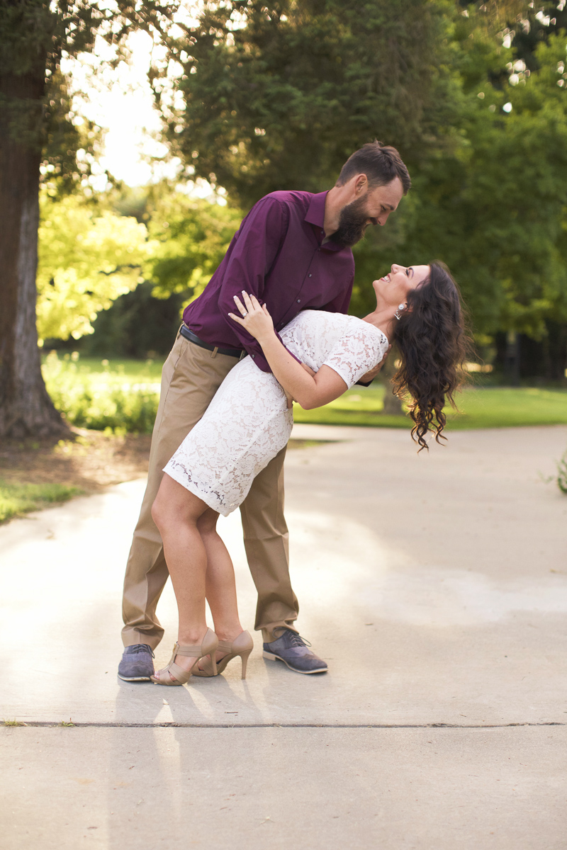 uc-davis-arboretum-engagement-session-lixxim-photography-11.jpg