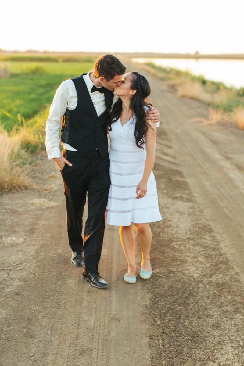 Sacramento-watersports-farm-wedding-photography-44.jpg