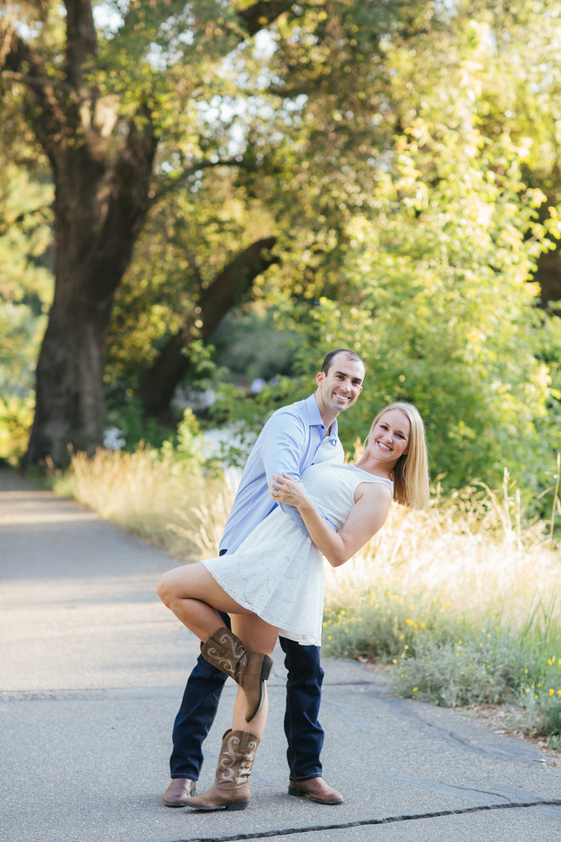 uc-davis-arboretum-engagement-photographer-1-6.jpg