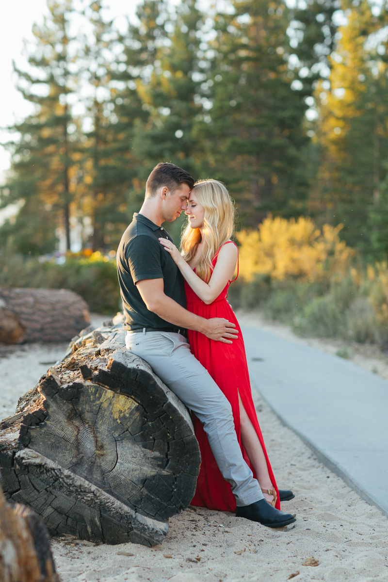 sand-harbor-lake-tahoe-engagement-session-photographer-15.jpg
